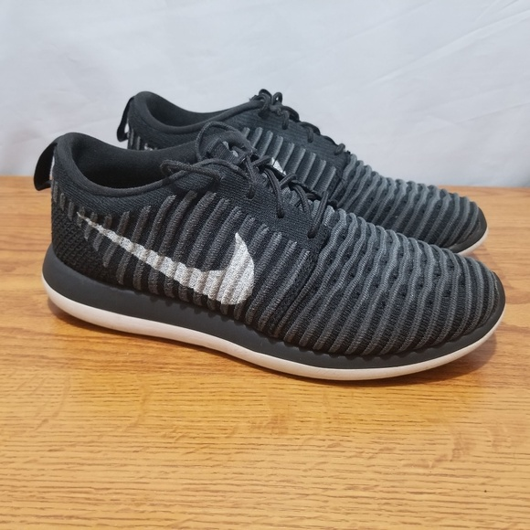 75bb7c963298 Nike Kids Roshe Two Flyknit Running Shoes. M 5b7792d09fe486aa82edc972